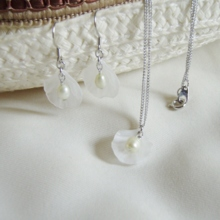 Flower pearl necklace white (free shipping)